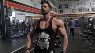 Sergi Constance Back training at The Mecca