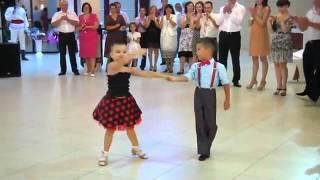 getlinkyoutube.com-Srandomat.cz - děti nádherně tancujou