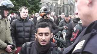 getlinkyoutube.com-de  motorclub BragandBoost nemen een sigaretten pauze op de dam  en de politie staat op scherp