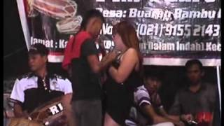 getlinkyoutube.com-Dangdut Hot Yuli Bohay - Bang Roni