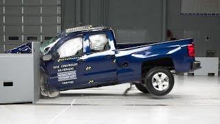getlinkyoutube.com-2016 Chevrolet Silverado 1500 extended cab small overlap IIHS crash test