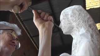 getlinkyoutube.com-Sculpteur sur pierre : création d'une sculpture