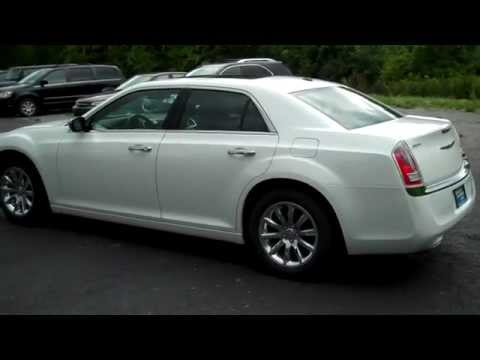 2013 ford taurus vs chrysler 300 s awd mile high mashup. Black Bedroom Furniture Sets. Home Design Ideas