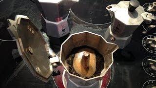 getlinkyoutube.com-How to make Traditional Italian espresso coffee.