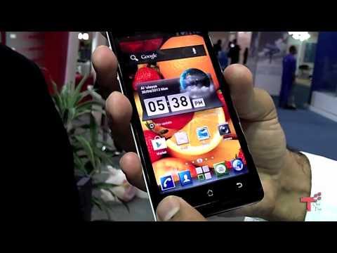 Tech15 Ep30b Huawei Ascend  كومكس2012:تجربة هواتف هواوي الجديدة