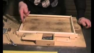 getlinkyoutube.com-Сборка рамок и наващивание вощины