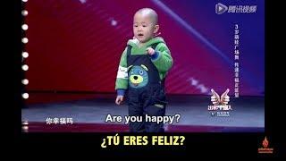 getlinkyoutube.com-Adorable 3 year old is very happy to dance! Subtítulos español spanish