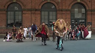 MACKLEMORE & RYAN LEWIS – THRIFT SHOP FEAT. WANZ (OFFICIAL VIDEO)