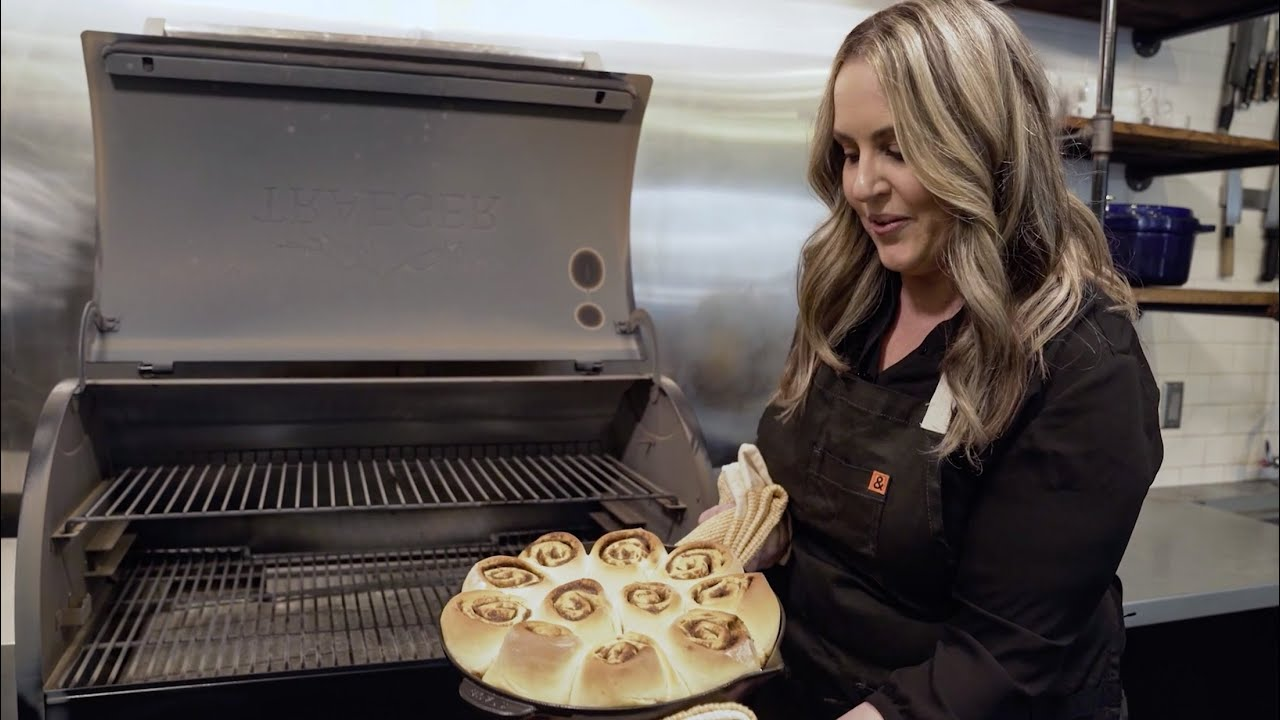 Baked Cinnamon Rolls with Mandy Tanner thumbnail