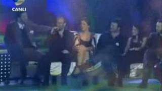 getlinkyoutube.com-the stars of binbir gece singing