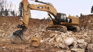 getlinkyoutube.com-Cat® 390F Excavator Switches Bucket and Ripper Attachments
