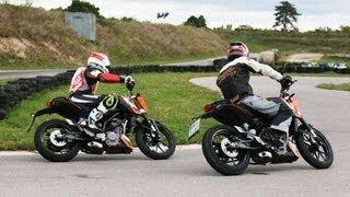 getlinkyoutube.com-KTM 125 Duke vs 200 Duke on Supermoto Track