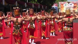 Banyuwangi Ethno Carnival 2013 - Tari Gandrung Massal
