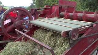 getlinkyoutube.com-Old New Holland Baler