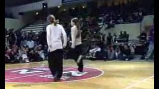 getlinkyoutube.com-Girls BREAK DANCE