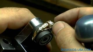 getlinkyoutube.com-Montar diamantes en un anillo de oro.