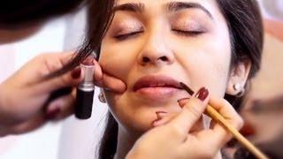 getlinkyoutube.com-How to Apply Make Up for Indian Skin