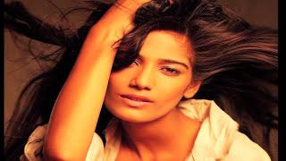 getlinkyoutube.com-Kamasutra 3D   Sherlyn Chopra Seductive Video