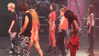 Hyoyeon, sooyoung, Yuri, Yoona, VIctoria & Luna Dance Battle @ SMTOWN NYC 10/23