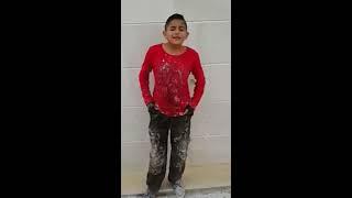 getlinkyoutube.com-طفل سوري يعمل في ورشات البناء يلهب مواقع التواصل بموهبته في الغناء