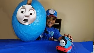 getlinkyoutube.com-Giant  Egg, Thomas and Friends Toy Surprises, Disney Cars Toys, Play Doh
