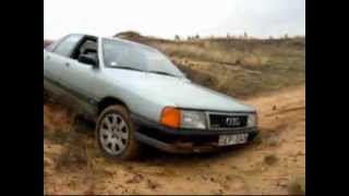 getlinkyoutube.com-Audi 100 quattro vs Jeep на карьере