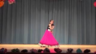 "getlinkyoutube.com-BEST Dance Performance on ""Radha Teri Chunri"" - Student of the Year"
