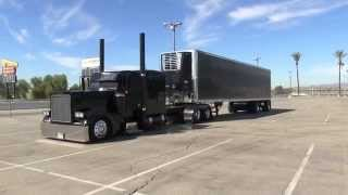 getlinkyoutube.com-Dedicated Ride Peterbilt 379 Arriving And Parking At TFK 2014