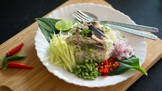 "Mackerel Fried Rice ""Salad"" ข้าวคลุกปลาทู - Hot Thai Kitchen!"