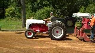 getlinkyoutube.com-Flat Head V8 Ford Tractor
