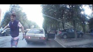 getlinkyoutube.com-Мордобитие на дороге,драка