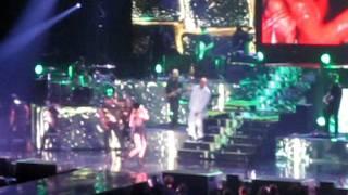 Jennifer Lopez sur scene avec Fat Joe en guest surprise