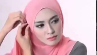 getlinkyoutube.com-Tutorial Hijab Pashmina Wajah Bulat Kreasi Pashmina Terbaru