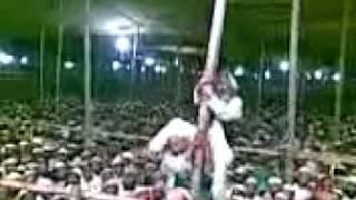 getlinkyoutube.com-চরমোনাই পীরের মুরিদের কান্ড দেখুন