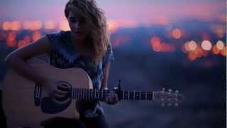 getlinkyoutube.com-Tori Kelly - All In My Head (Live Acoustic)