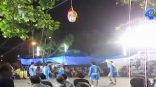 getlinkyoutube.com-ดูไปลุ้นไป! การแข่งขันตะกร้อลอดห่วง นครปฐม ; Hoop Takraw Lod ; Thai Sport