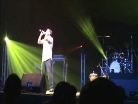 'Bin Tere' (I Hate Luv Storys) by NeiL LIVE @ Atif Aslam Perth Concert 2011