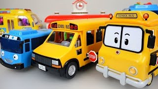 getlinkyoutube.com-Wheels On The Bus Nursery Rhymes playing BUS Tayo Poli Pororo toys 로보카폴리 뽀로로 타요 와 버스놀이 장난감