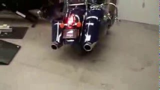 getlinkyoutube.com-Freedom Performance Exhaust on 2014 Indian Chief Classic - Man they sound great!