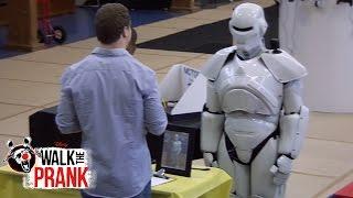 getlinkyoutube.com-Science Fair Robot | Walk the Prank | Disney XD