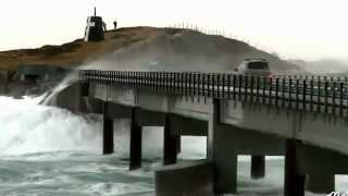 getlinkyoutube.com-الجسر الذي يمر من فوق المحيط الاطلسي منظر مخيف و جميل !!