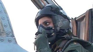 getlinkyoutube.com-عائشة ...أول باكستانية تقود طائرة مقاتلة