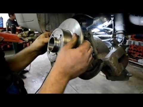 Замена подшипника задней ступицы и  тормозного диск Renault Megane 2