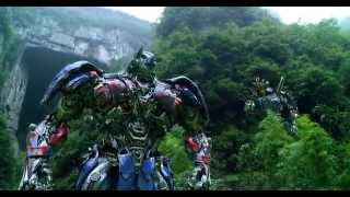 getlinkyoutube.com-Transformers: Age of Extinction - Optimus Prime Speech/The Battle Begins/Dinobots Charge