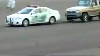 getlinkyoutube.com-درباويه يطردون الدوريه من ساحة التفجير
