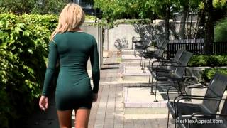getlinkyoutube.com-Caitlyn - Green Dress And High Heels