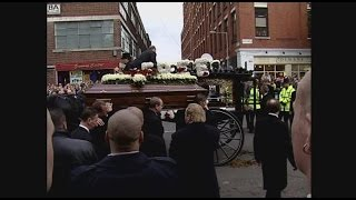 getlinkyoutube.com-Reg Kray's Funeral - Part 1 - Intro Yvette Rowland