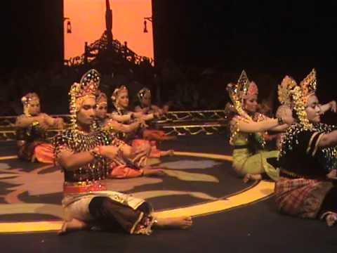Mak Yong 2011 - Raja Bongsu Sakti by Faculty of Music (Part 2)