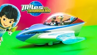 getlinkyoutube.com-MILES FROM TOMORROWLAND Disney Miles Photon Flyer Spaceship a Miles Tomorrowland Video Toy Review