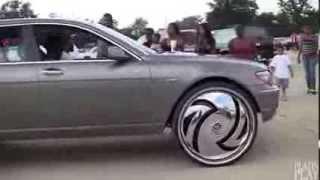 getlinkyoutube.com-750Li On 30 Inch Spinning Rims !!